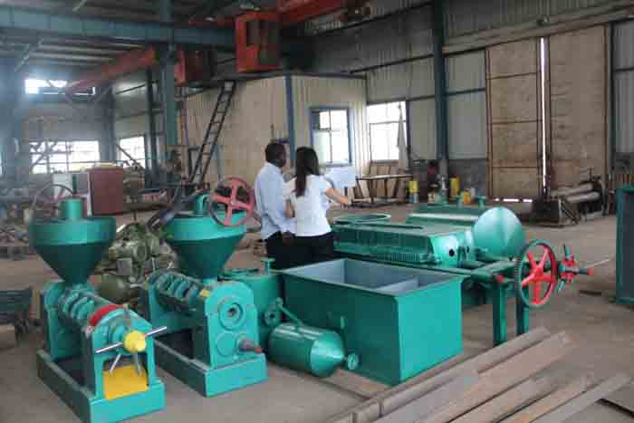 Nigeria customer for soybean oil production plant