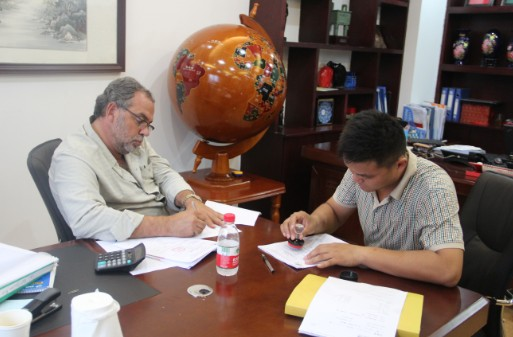 The Lebanen customer signed the contract about sunflower oil machine
